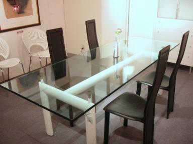 おしゃれなテーブルと椅子をご紹介!お気に入りのものを見つけてね☆のサムネイル画像