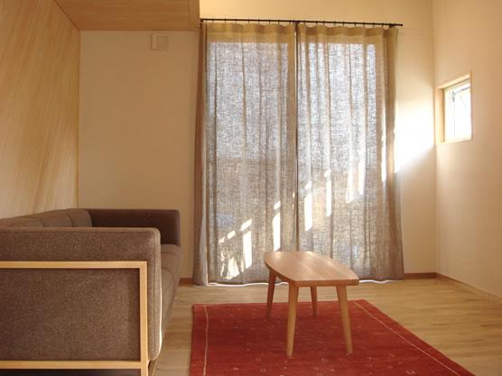 リネンのカーテンで優しさあふれるナチュラルな空間を演出♪のサムネイル画像