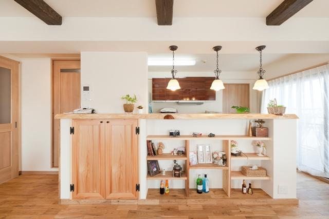憧れのカウンターキッチン☆カウンターを活かす収納アイディアのサムネイル画像