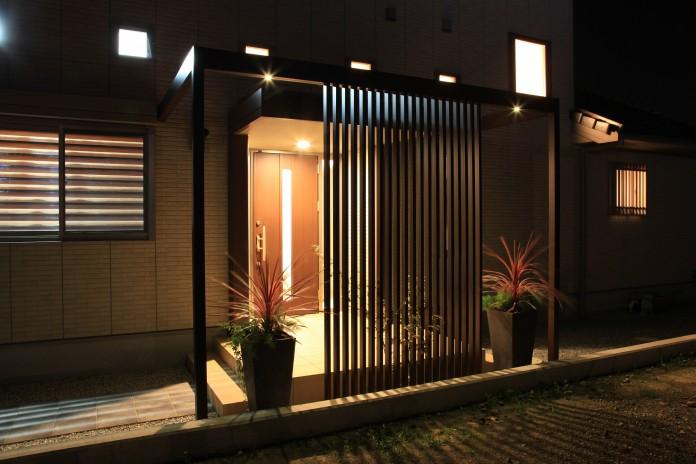 玄関の目隠しでプライベートを守るアイデアと施工例を紹介しますのサムネイル画像