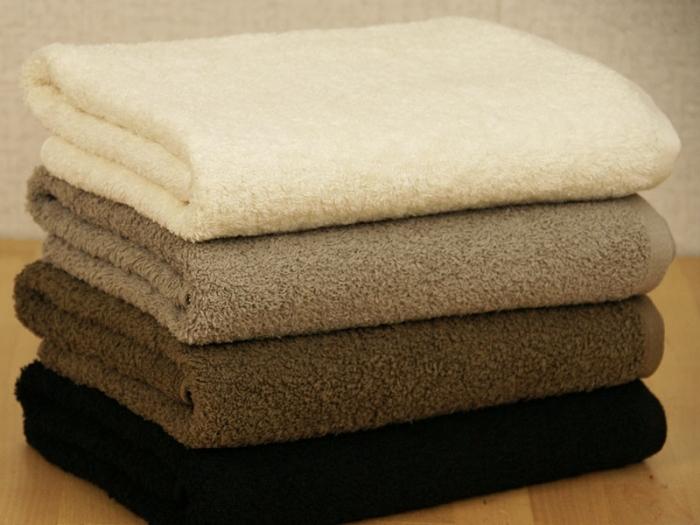 バスタオルは何回使ったら洗濯する?今さら聞けない気になることのサムネイル画像