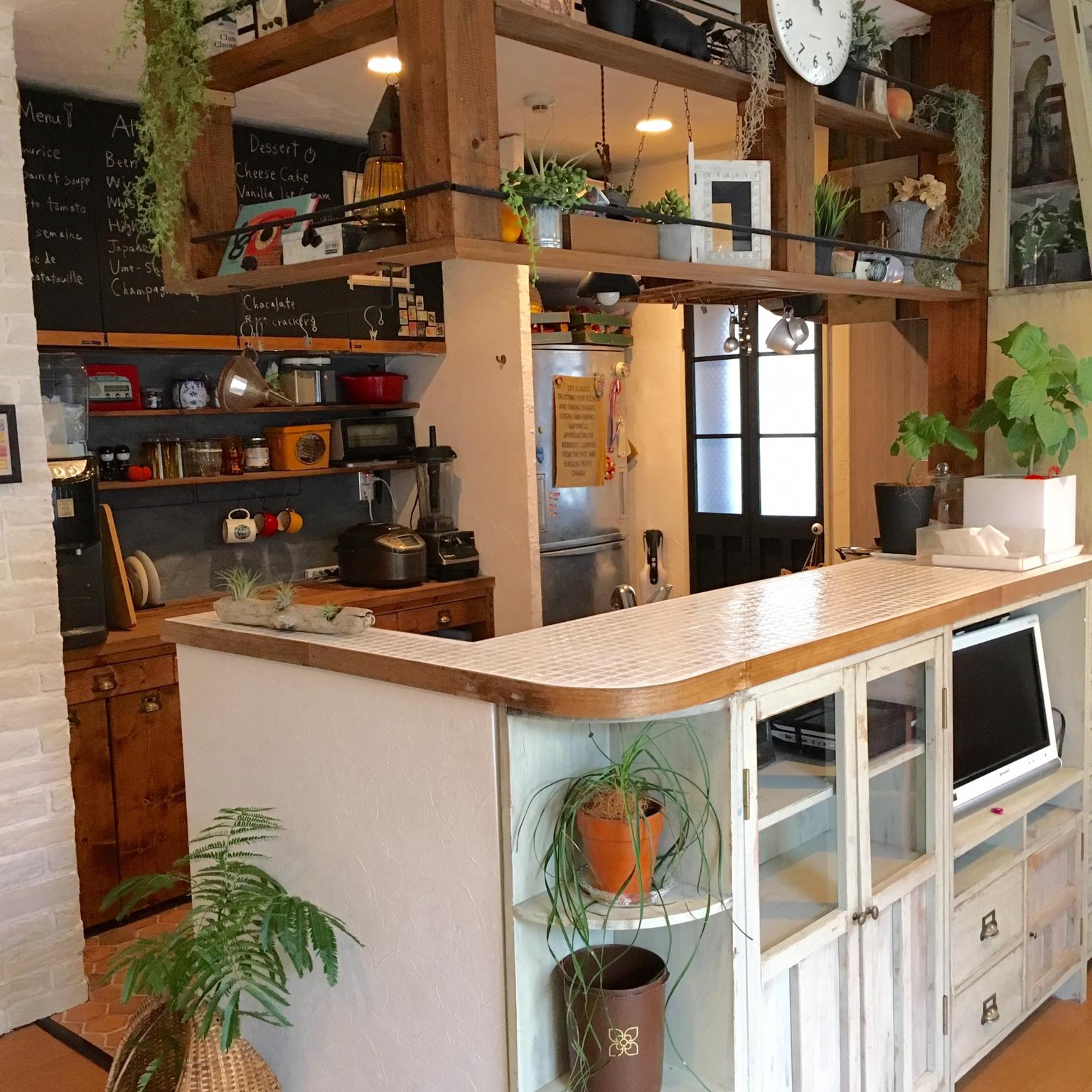 スッキリ収納☆カウンター下収納をdiyしてキッチンを使いやすく♪のサムネイル画像