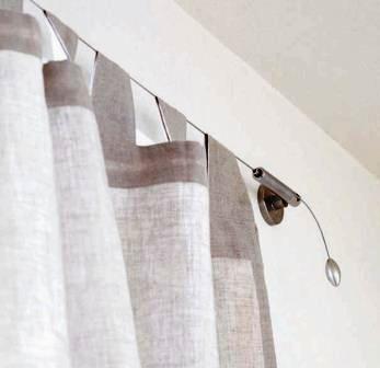 結構使えるカーテンワイヤー カーテンだけじゃないおしゃれな使い方のサムネイル画像