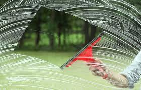【掃除術】手早く美しく窓掃除したいのなら、ワイパーを使ってみて!のサムネイル画像