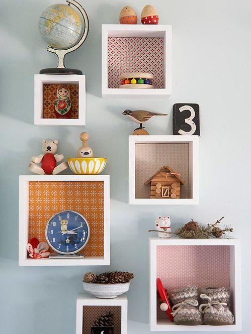 便利!壁に跡を残さない、ホッチキスで留めるフック「壁美人」のサムネイル画像