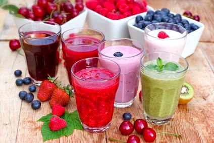 ジューサーとミキサーでは、摂取できる栄養にこんなに違いが!のサムネイル画像