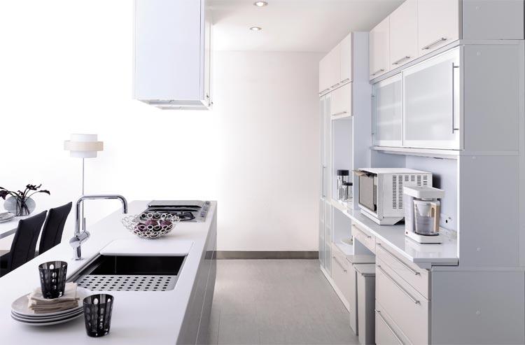 ゴミ箱収納のついたオシャレな食器棚でスッキリとした生活をのサムネイル画像