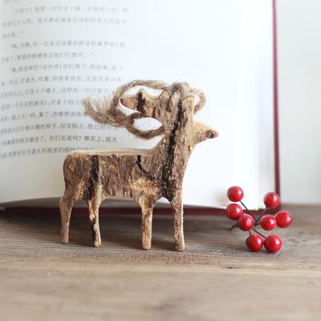 温かみのあるデザインが魅力的!木製クリスマスオーナメントのサムネイル画像