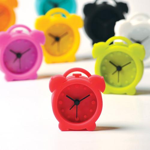目覚ましにインテリアに。いくつあってもかわいい置時計集めました。のサムネイル画像