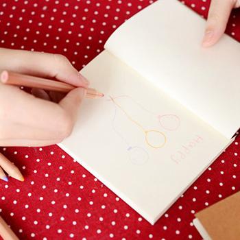 書くことないとは言わせない!かわいいノートでもっと好きな私に。のサムネイル画像