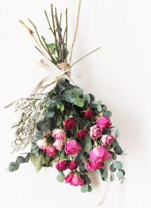 バラのドライフラワーが素敵!バラのドライフラワーの作り方&飾り方の画像
