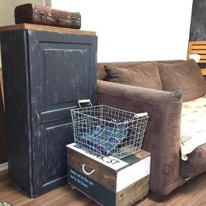【簡単】カラーボックスに天板をつけるだけ!おしゃれな家具の紹介の画像